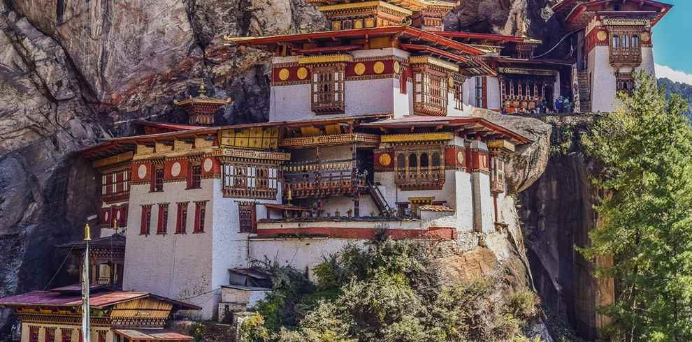 The Land of Thunder Dragon Bhutan Tour Package